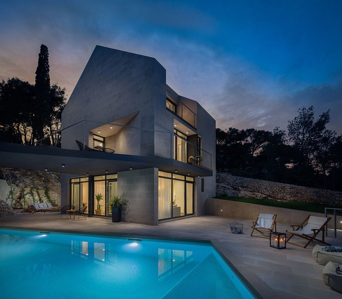 5-star modern stone villa Sea La Vie, holiday rental in Sutivan