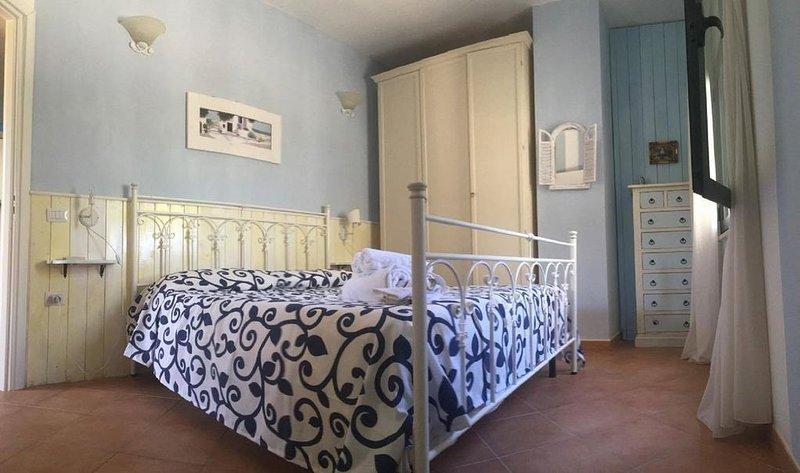 Appartamento 'Aria' (Michelino beach) in residence 'Villa Giulia', vacation rental in Parghelia