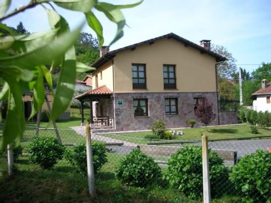 Apartamento rural Ribera del Sella para 2/3 personas (Güeña), location de vacances à Sobrefoz