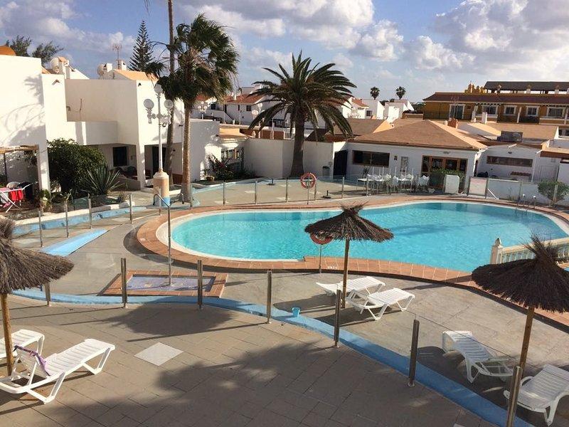 1 bed quiet apartment in the centre of Caleta de Fuste, holiday rental in Fustes