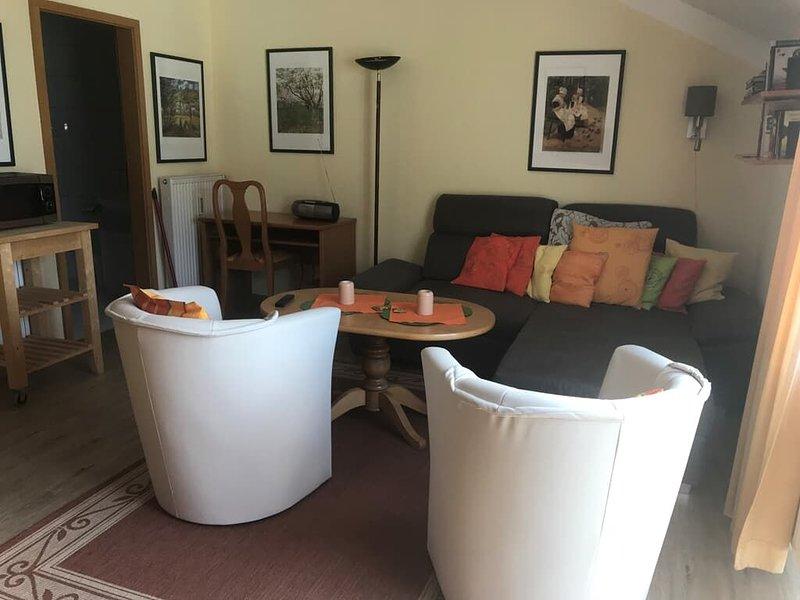 Appartement mit Tiefgaragenstellplatz und kostenfreiem Eintritt ins AQACUR, holiday rental in Blaibach