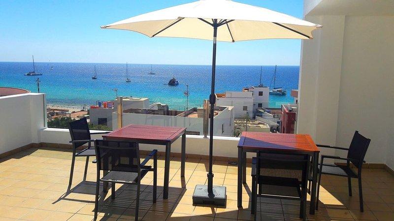 Apartamento Sarah 2A, 2min zum Strand und Promenade, zentral und ruhig.Free WIFI, alquiler de vacaciones en Jandia Peninsula