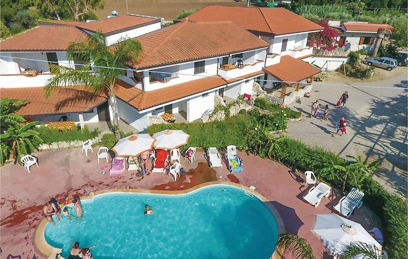 1 Zimmer Unterkunft in Ricadi (VV), vacation rental in San Nicolo