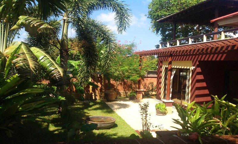 Charming Balinese house for rent on Ko Lanta, holiday rental in Ban Sala Dan