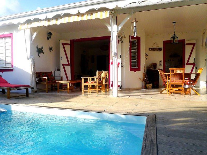 maison avec piscine en bord de mer, holiday rental in Sainte-Luce