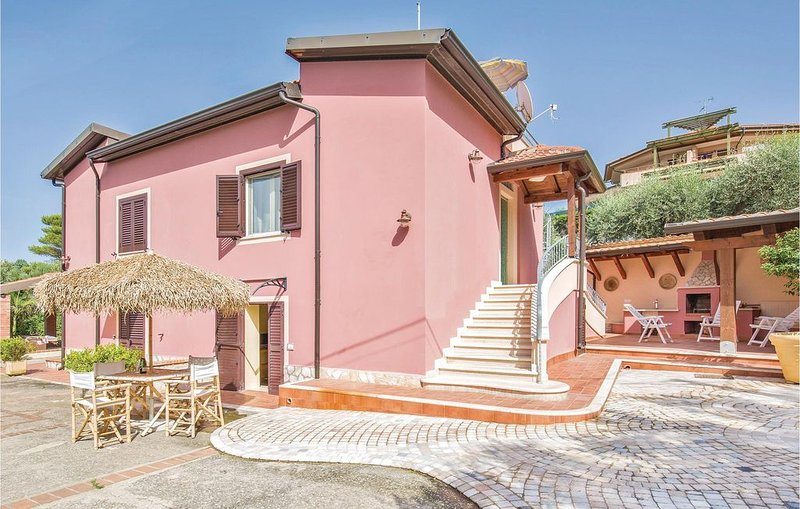 4 Zimmer Unterkunft in Ricadi -VV-, vakantiewoning in Capo Vaticano