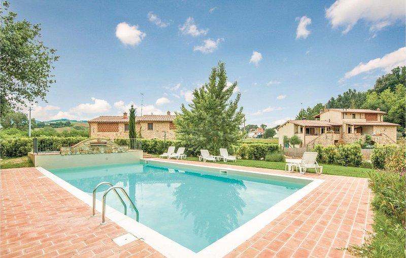 1 Zimmer Unterkunft in Volterra -PI-, vacation rental in Castelnuovo Berardenga