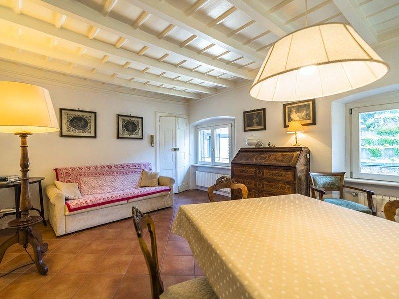Elegante ma accogliente appartamento in casa d'epoca in Città  Alta, holiday rental in Sorisole