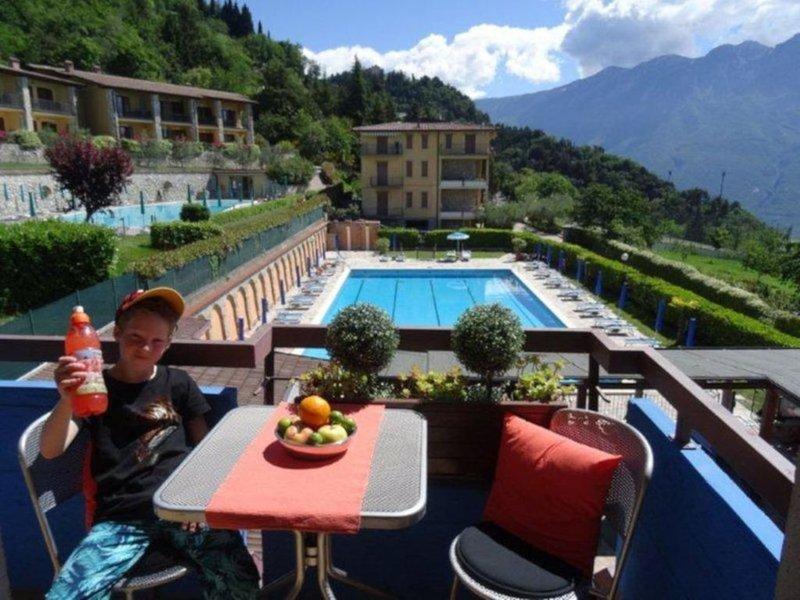 cozy apartment with lake view Tignale-Gardola, alquiler vacacional en Tignale