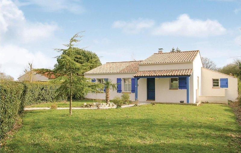 4 Zimmer Unterkunft in St Maixent sur Vie, casa vacanza a Apremont