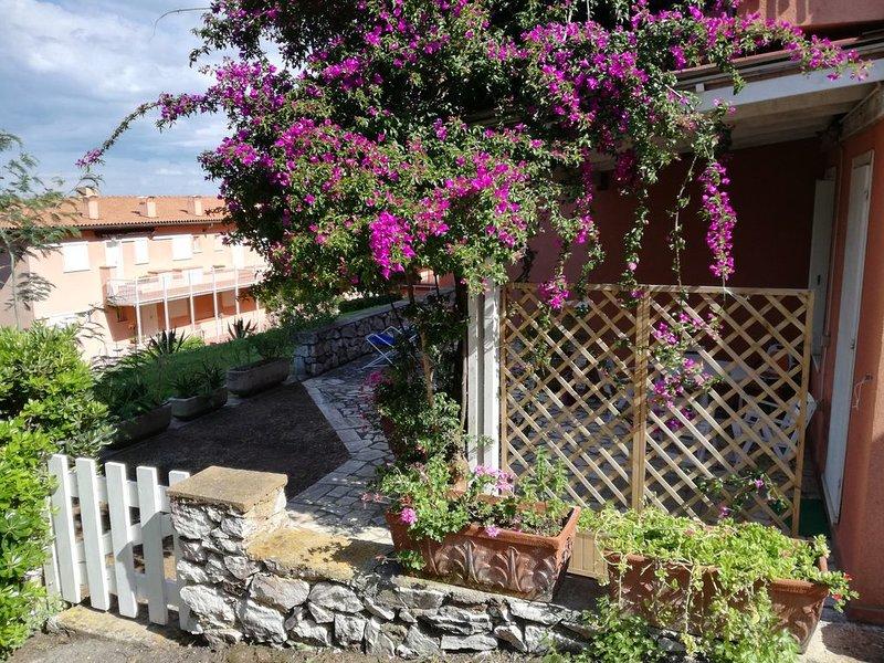 Appartamento con piccolo giardino a Capo d'Arco Isola d'Elba, location de vacances à Capo d'Arco