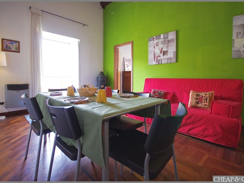 Lovely, Chic Apartment in historical centre of Palermo, location de vacances à Palermo