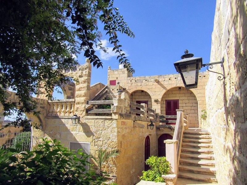 Zabbetta - charakteristisches Farmhaus mit tollem Pool und schöner Aussicht, vakantiewoning in Sannat
