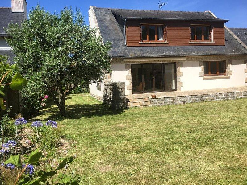 Maison familiale au coeur du vieux bourg de St Briac, jardin clos plein sud, alquiler de vacaciones en Saint-Briac-sur-Mer