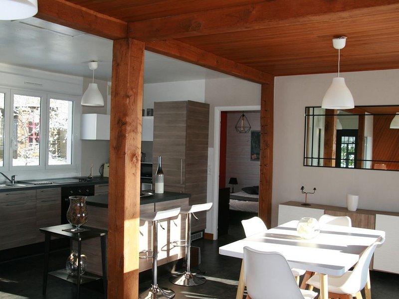 Proche DISNEYLAND, dans un écrin de verdure, agréable maison lumineuse, holiday rental in Saint-Augustin