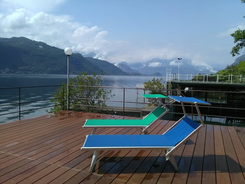 Cottage con darsena sul lago, vacation rental in Mandello del Lario