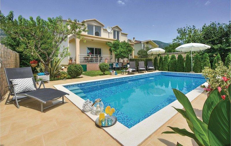 3 bedroom accommodation in Kastel Stari, alquiler de vacaciones en Kastel Stari