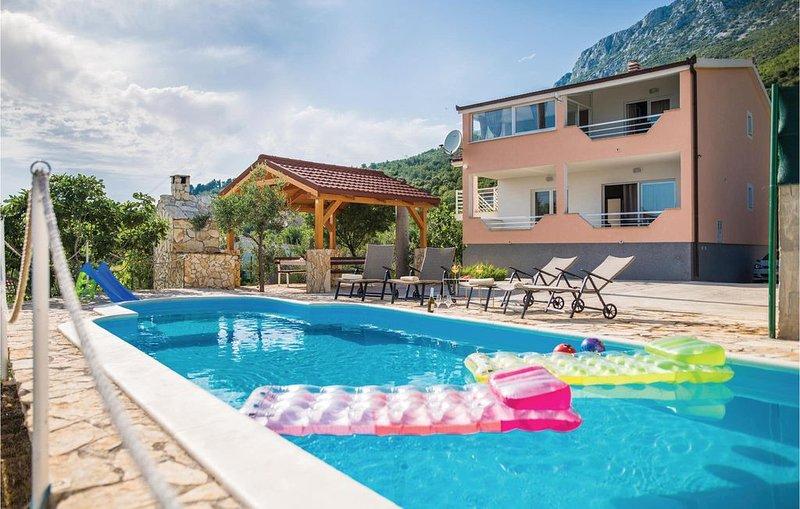 5 Zimmer Unterkunft in Kastel Sucurac, location de vacances à Kastel Sucurac