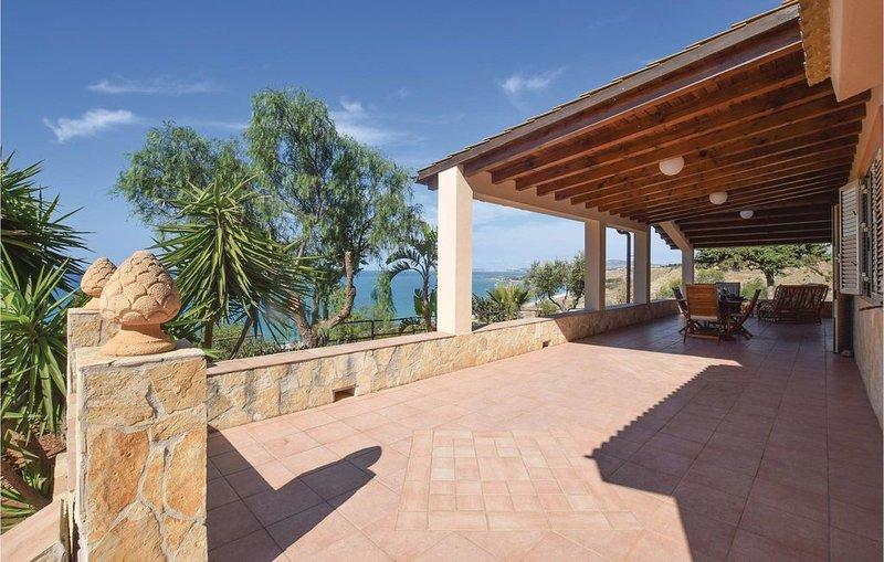 3 Zimmer Unterkunft in Ribera -AG-, vacation rental in Ribera
