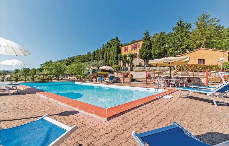 4 Zimmer Unterkunft in Casotto Le Cetine (SI), holiday rental in Serre di Rapolano