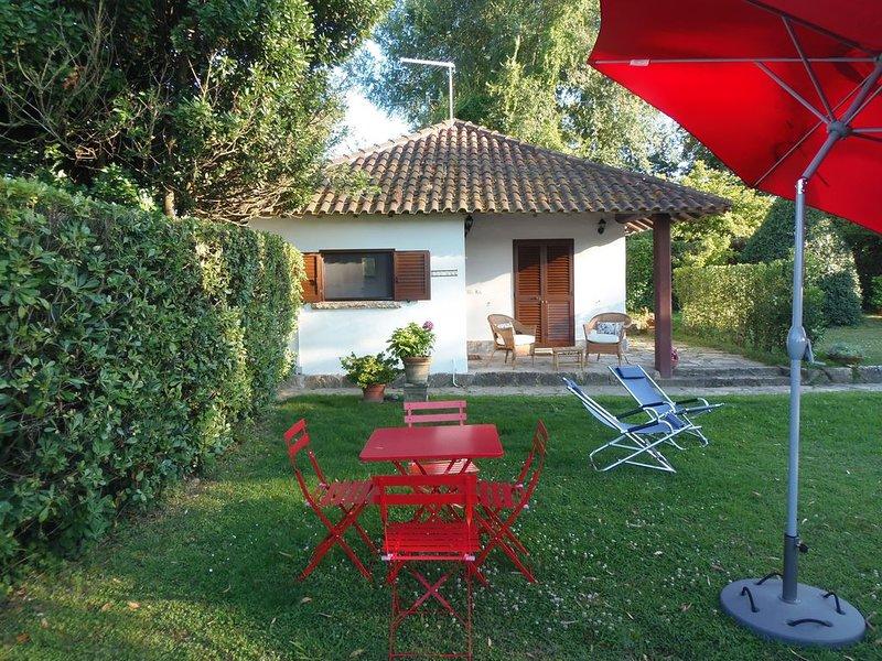 Chalet sur rivière avec jardin en Toscana, la nature proche de la ville !, casa vacanza a Fiorino