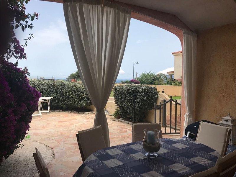 Villetta con giardino vista mare, vacation rental in Pittulongu