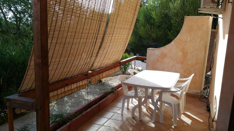 Holiday Apartment - Sea, in residence, holiday rental in Badesi