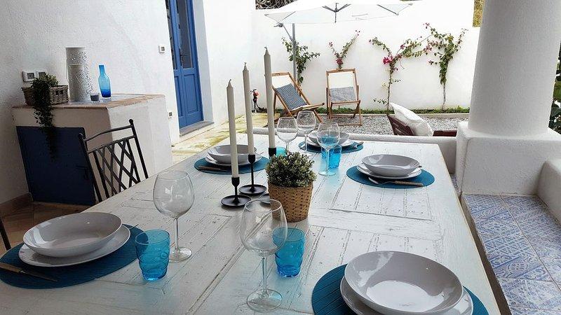 Villa Euribia ... un angolo di pace nel cuore di Santa Marina!, casa vacanza a Santa Marina Salina