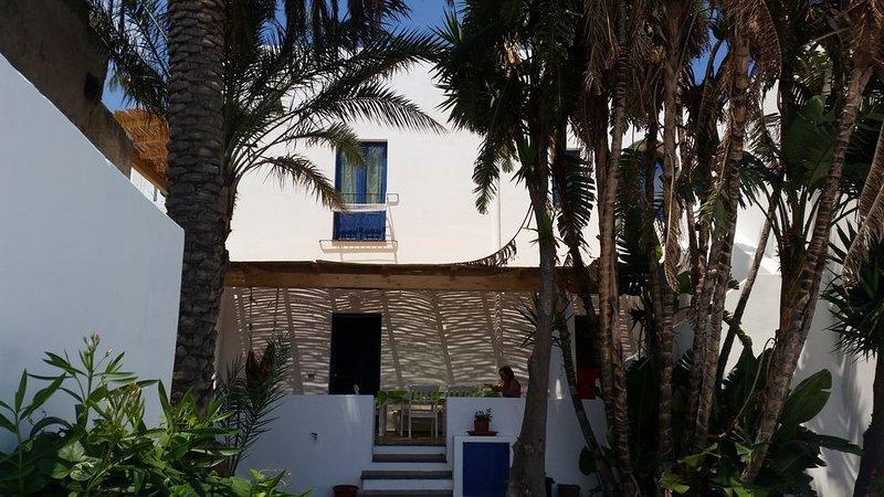 Bellissima Casa Eoliana appena ristrutturata completa di ogni comfort, holiday rental in Aeolian Islands
