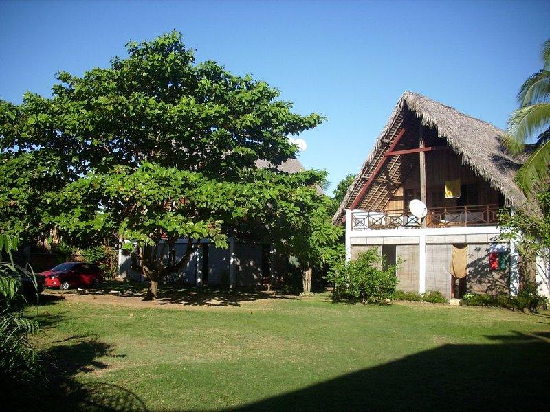 l'antafa:studios et appartements toute equipés, location de vacances à Dzamandzar