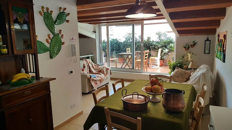 PalermiT'Amo Apartment, holiday rental in San Nicola l'Arena