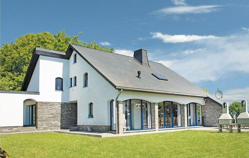 5 Zimmer Unterkunft in Büllingen, holiday rental in Wirtzfeld