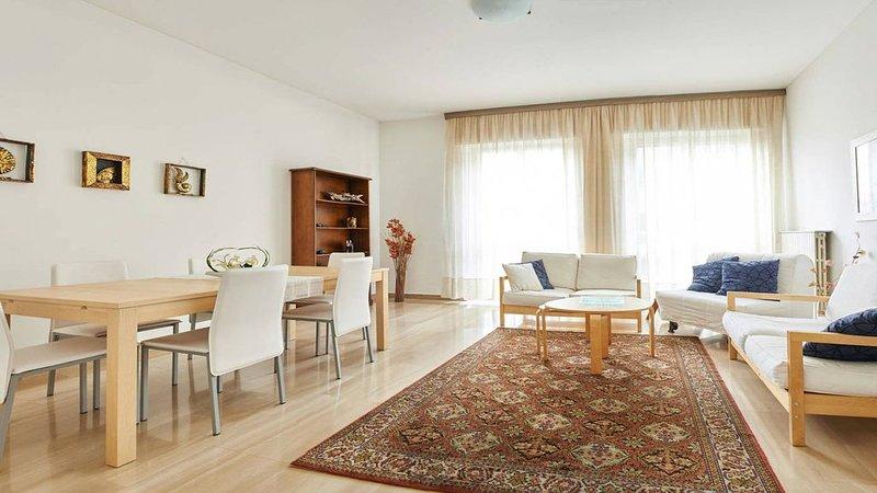 Bergamo Charming House, accogliente e spazioso appartamento in centro città, alquiler vacacional en Province of Bergamo