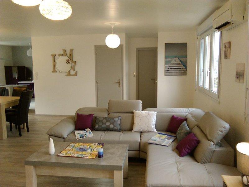 Maison avec spa jacuzzi et sauna, indépendante calme à la campagne 10 Kms mer, location de vacances à Plogonnec