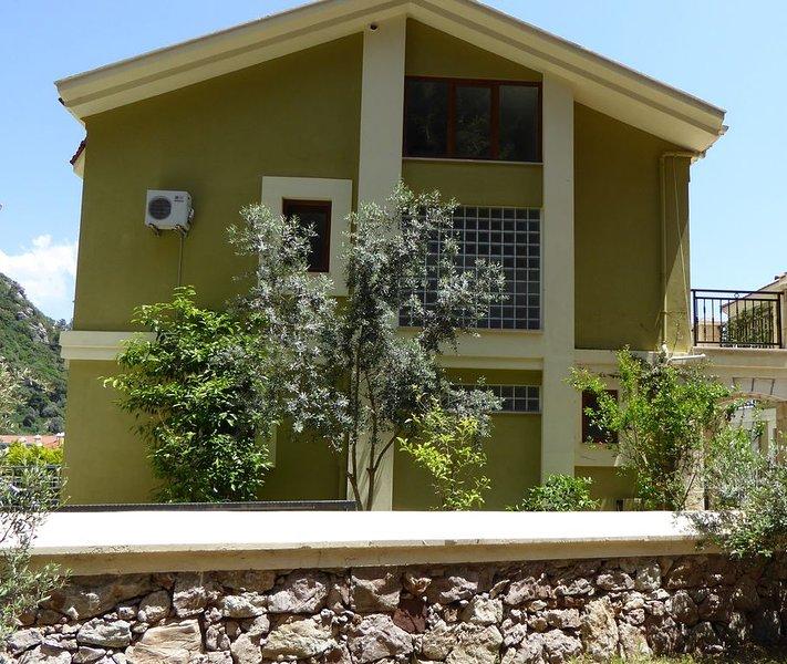 Luxury Villa backing onto National Park Forest with Spectacular Views, location de vacances à Marmaris District