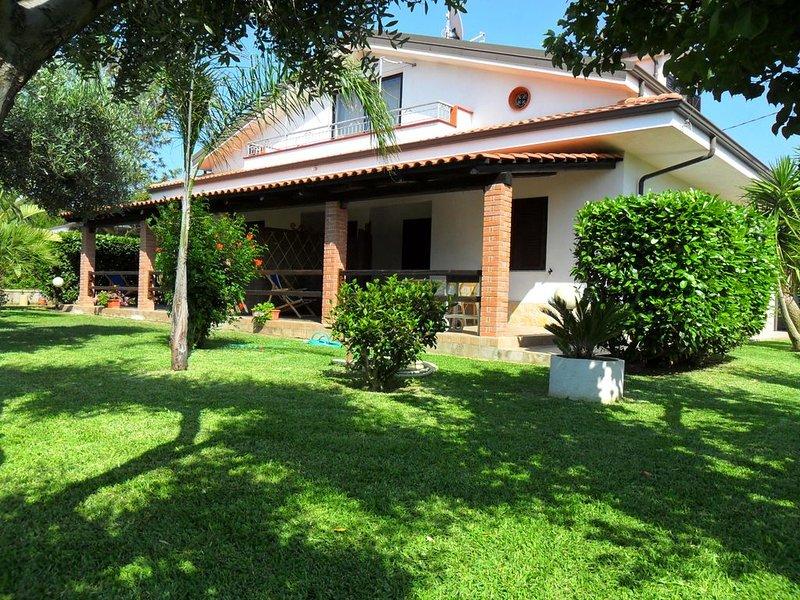 APPARTAMENTO GRAZIELLA -- TROPEA--CAPO VATICANO, vacation rental in San Nicolo