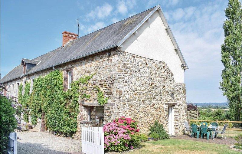 3 Zimmer Unterkunft in Montpinchon, holiday rental in Cerisy-la-Salle