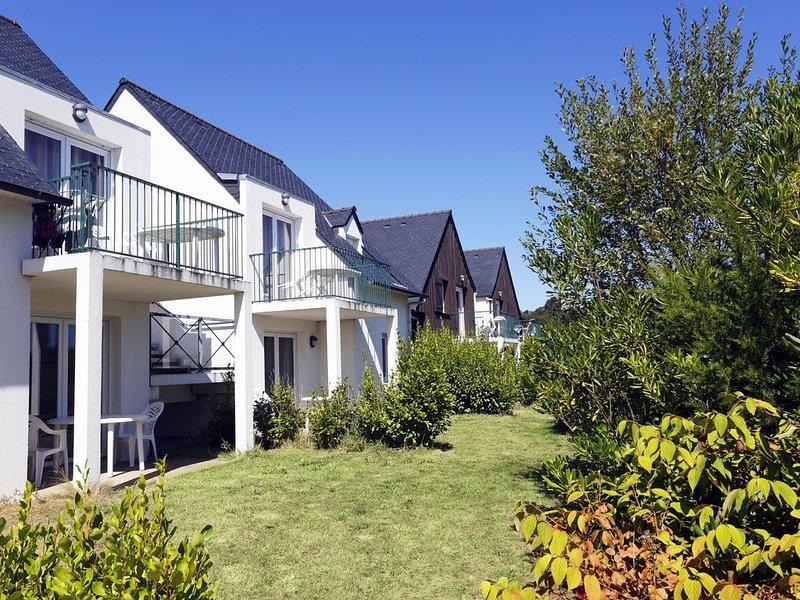 Super endroit ! Appartement proche de la plage avec accès piscine, holiday rental in Saint-Pol-de-Leon