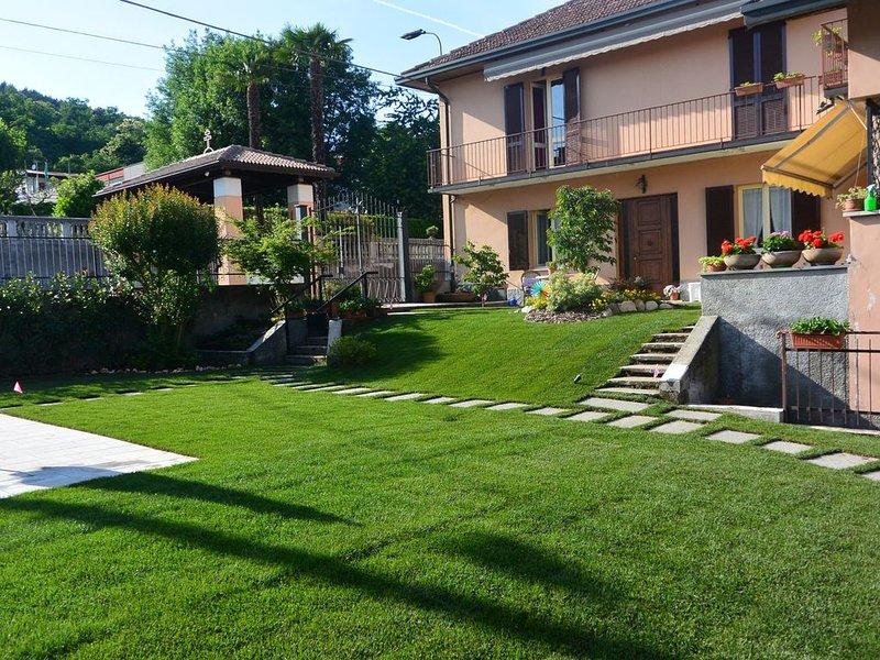'Il Richiamo del Lago' near Milano Malpensa & Lakes Cod CIR: 012101-CNI-00001, casa vacanza a Casorate Sempione