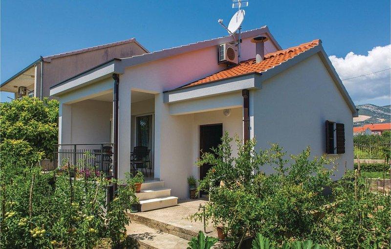 2 Zimmer Unterkunft in Kastel Novi, aluguéis de temporada em Kastela