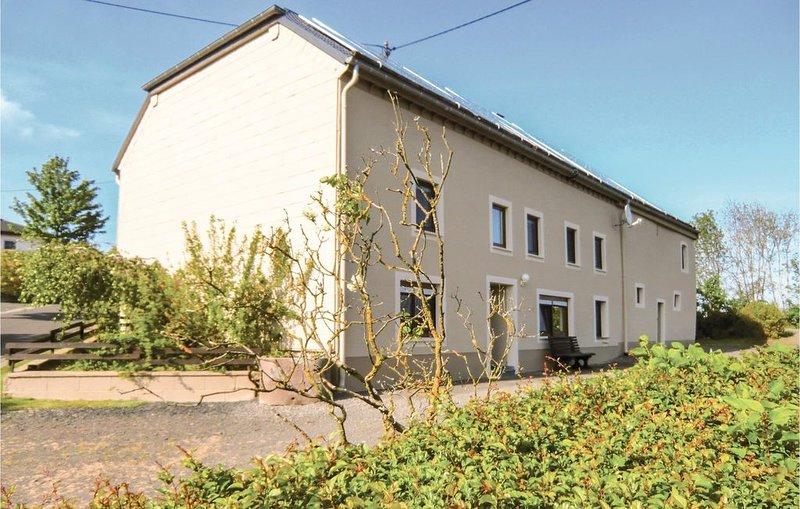 4 Zimmer Unterkunft in Sevenig Our, holiday rental in Irrhausen