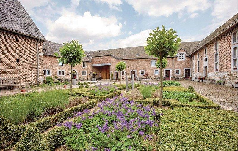 6 Zimmer Unterkunft in Richelle/Visé, alquiler vacacional en Berneau
