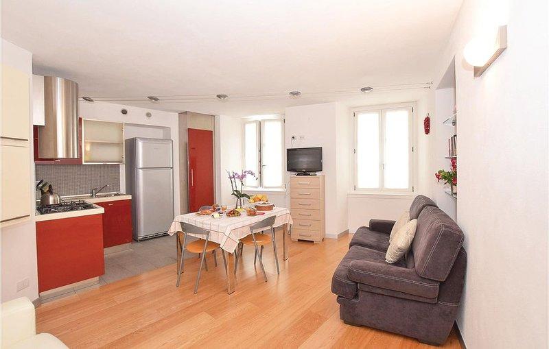 2 Zimmer Unterkunft in Chiavenna SO, vacation rental in Cresta