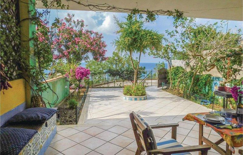 2 Zimmer Unterkunft in Parghelia, vacation rental in Parghelia