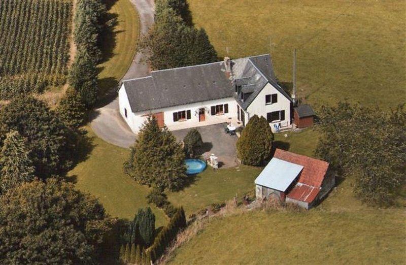Maison très calme de vacances en famille, vacation rental in Brecey