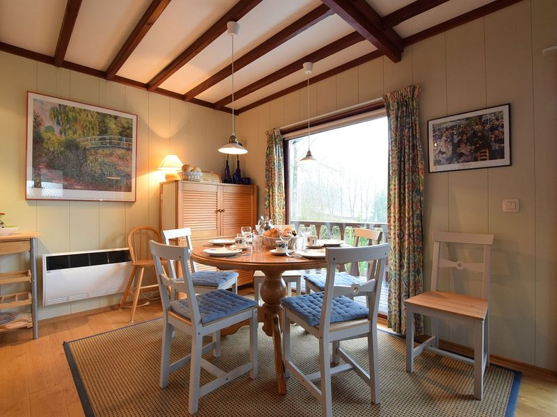Comfortable cottage near Lake Cherapont, holiday rental in Lullange