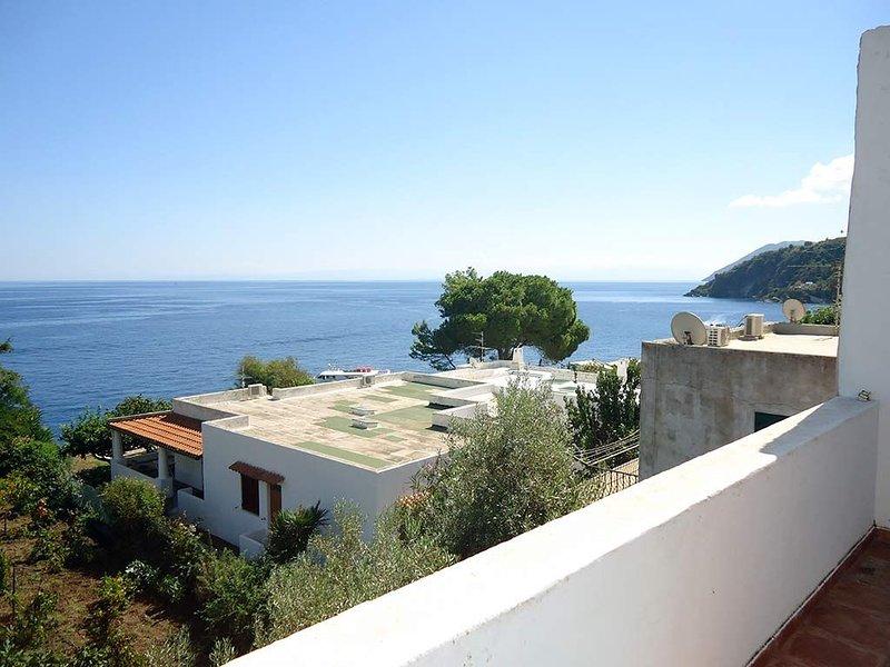 Casa Maddalena Vista Mare, holiday rental in San Salvatore