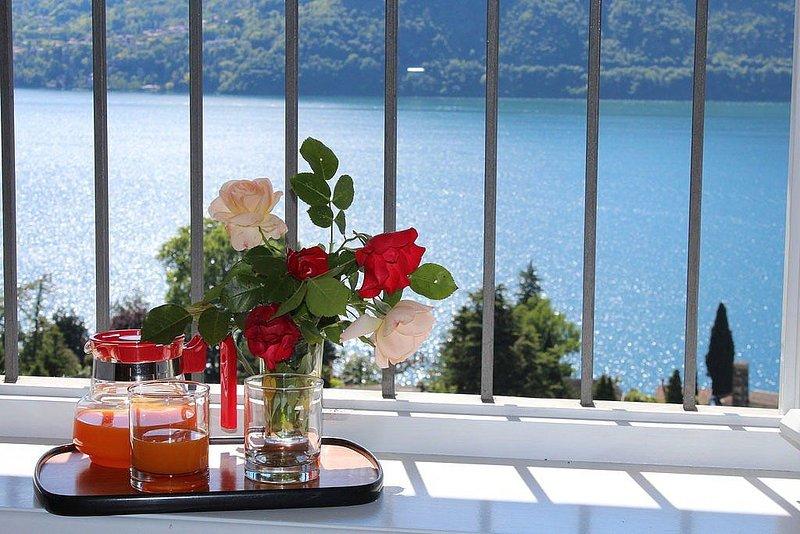 Casa Panorama Otto, rimborso completo con voucher*: Un luminoso e allegro appart, aluguéis de temporada em Tremezzo