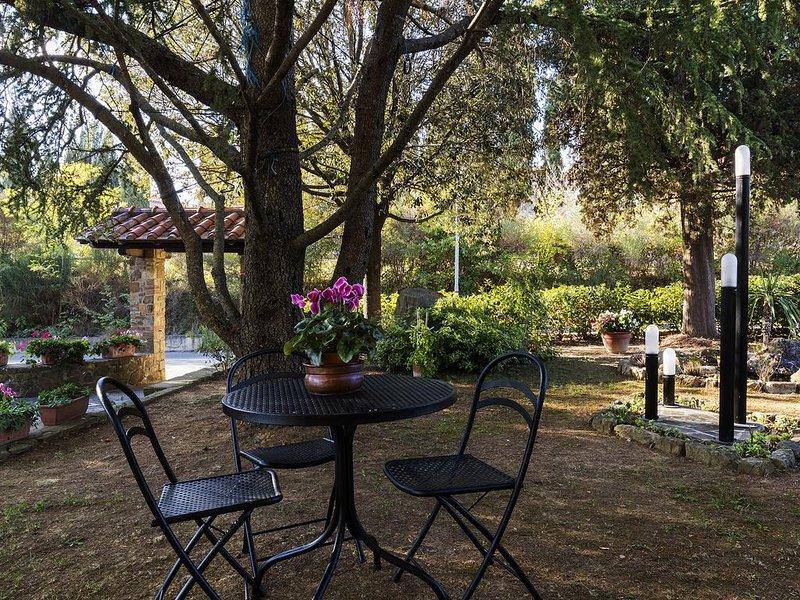 Podere La Rosa, appartamento in aperta campagna ma 5 minuti a piedi dal centro., holiday rental in Bagno Vignoni