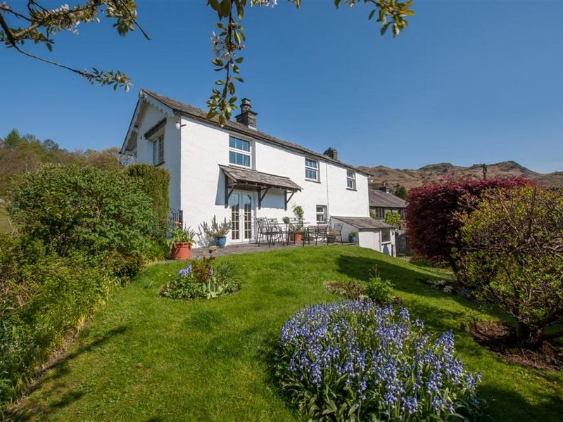 Fell View - Three Bedroom House, Sleeps 6, holiday rental in Little Langdale